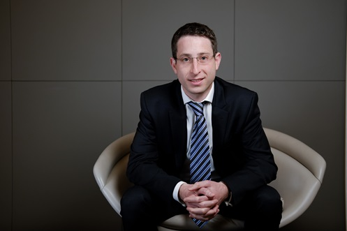 Oliver Swerdlow, Managing Associate, Real Estate